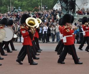 Schimbarea gărzilor la Palatul Buckingham